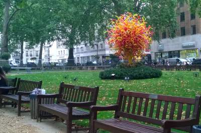 "Dale Chihuly ""tree"" Berkeley Square"